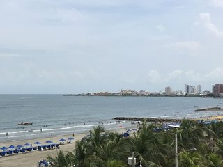 2 BR apt. close to beach with rooftop pool