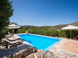 myholidayhome/Little Treasure /Pool, away from the Usual, back to Nature