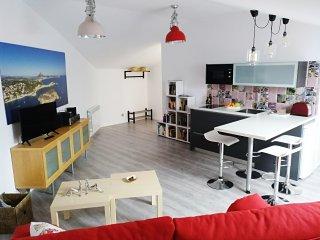 Apartamento nuevo en Burgos, con desayuno.  B&B . Estaras como en casa.