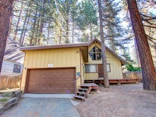 Cozy Chalet with Private Spa and Pet Friendly ~ RA696