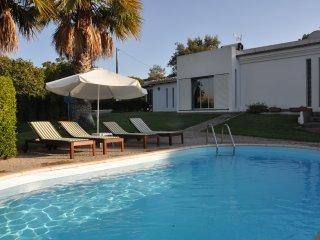 Villa Bisavos