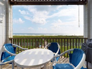 Beachfront condo with great balcony views & a resort pool - dogs welcome!