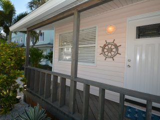 The Point_Sag Harbor House_!!!UNBEATABLE!!! Beach Experience_Steps to Sand