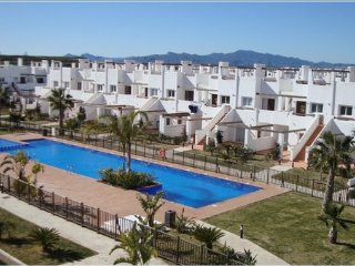 A 2 bedroom, modern apartment with pool, Condado de Alhama, Golf nearby