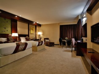 Royale Signature Hotel (Deluxe Family Room)