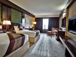 Royale Signature Hotel (Deluxe Room)