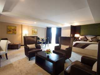 Royale Signature Hotel (Studio)
