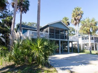 Pompano Crab Inn - Well Maintained Beach Walk Home - 4BR/2BA
