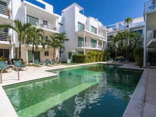 Pelicanos 2BR unit in the heart of Playa del Carmen