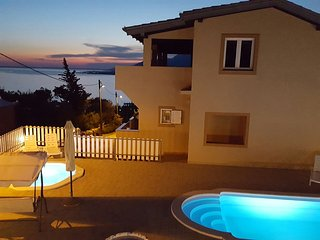 Villa SeaSunset Croatia- PRIVATE Family Villa with Pools, Sea and Mountain view