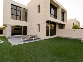 Brand New Upgraded Villa in Damac Hills
