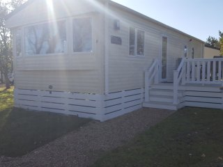Private Caravan Isle of Wight Sleeps 6 Brand New