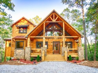 Skyfall - luxury cabin in Blue Ridge, GA