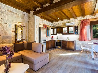 Traditional stone-built villa with private pool, outstanding view and privacy
