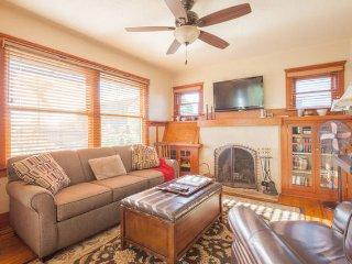 1928 Craftsman Cottage in North Park w relaxing outdoor living space & AC
