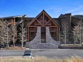 2609 Tenderfoot Lodge