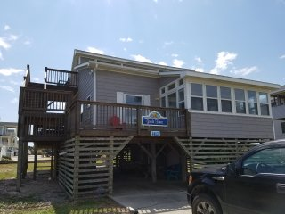 GOODE TIMES, South Nags Head, Oceanside, Ocean views, 200 feet to beach!!!