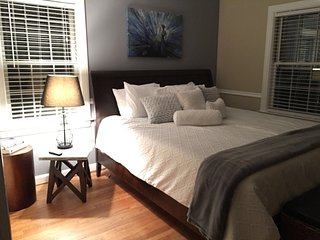Master bedroom, memory foam Queen mattress, 1800 thread ct bedding
