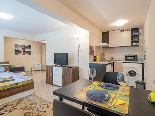 Brand New Charming & Comfy Studio in Sofia Center, Close to Everything You Need