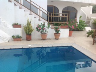 3 Bedroom House with Spectacular Ocean View and Private Pool