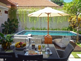 Beachside, peaceful, short walk to centre of Sanur;Villa Apanya,Cool Bali Villas