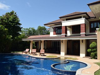 8 Bedroom Luxury villa with pool.