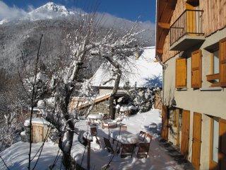 Chalet de Charme indépendant Cheminée Balnéo Wifi VAUJANY/OZ/Alpe d'Huez SKI