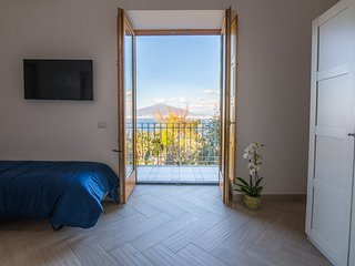 Room with Vesuvius view - Villa Mariagiovanna