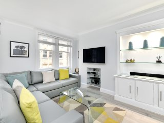 Marylebone High Street Apartment Sleeps 4 with WiFi - 5777585