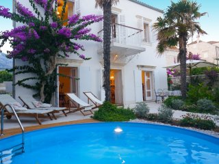 Villa Beach House Orebic with pool first row by the sea and beach - Peljesac