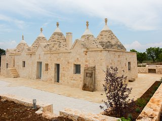 TRULLI GIANPAOLO AMAZING LUXURY VILLA