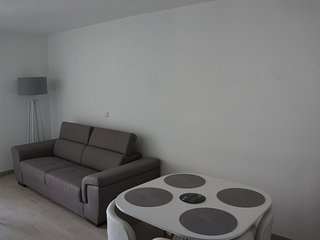 Appt 31m2 Spacieux Centre, 50M de la Plage, WIFI, Classe 2*, Terrasse 7m2