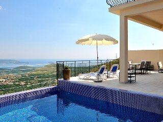 Luxury Villa Rock with private pool near Dubrovnik