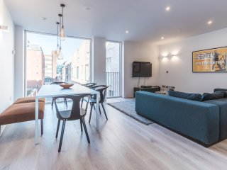 Lovely City Centre Penthouse by 5starstay