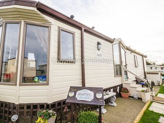 4 Berth caravan in Broadland Sands Holiday Park, Corton Ref 20291