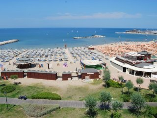 Residence Ortigara Rimini Bilo for 4 with kitchen SEASIDE AND SWIMMINGPOOL
