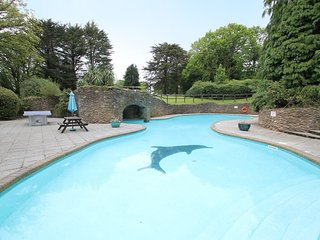 Luxury Holiday Cottage (Incl. Heated Pools, Tennis Court, Gym, 28 Acres)