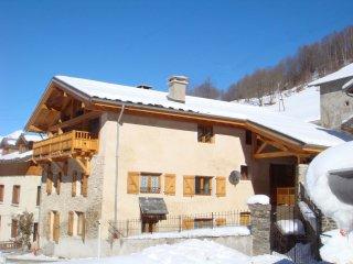 Large Luxury Ensuite Chalet, Minutes From Slopes Of Peisey Vallandry Les Arcs