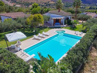 Beautiful Independent Villa with pool and hydromassage