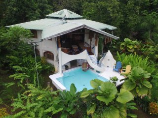 200+AcreRainforest Estate/ Beaches/OZONE +4 Pools,PRIVATE MudSpa, Ocean View/LUX