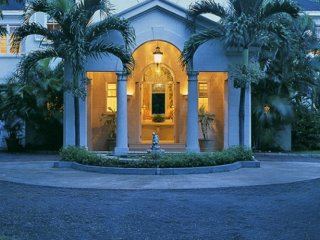 Villa New Mansion - Ideal for Couples and Families, Beautiful Pool and Beach