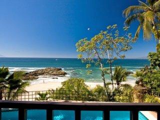 Bohemian Villa on White Sand Beach, Heated Pool, Chef/Waiter/Housekeeping, AC. F