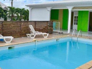 Villa Tiflo avec grande piscine privee