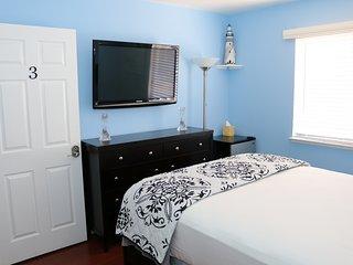 LUXURY 4 BEDROOM 3BATHROOM ENTIRE HOUSE POOLTABLE WIFI PRIVATE GOOD NAIGHBORHOOD