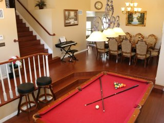 LUXURY 4 BEDROOM 3BATHROOM ENTIRE HOUSE POOLTABLE WIFI PRIVATE GOOD NAIGHBORHOOD