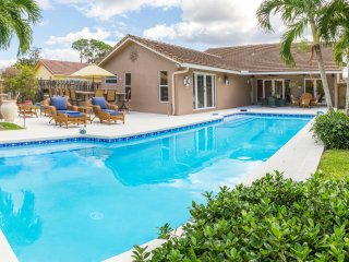 Gorgeous Full House w/Pool - Heart of Boca Raton