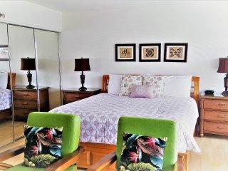 The Ilikai on Waikiki Beach- Oceanview High Floor!