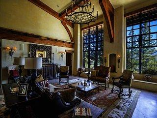 Gorgeous five bedroom home with billiards, game room, TV room - Buckhorn Ridge