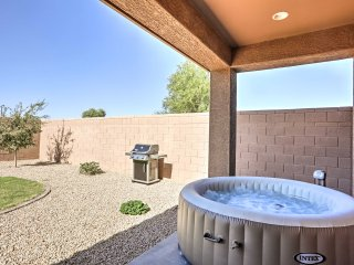 NEW! 3BR Queen Creek House w/ Hot Tub & Fire Pit!