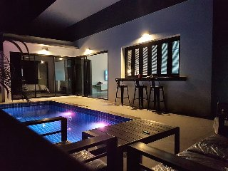 Brand new modern pool villa, 3 min drive from Lamai beach